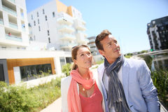 Couple visiting residential area Royalty Free Stock Photos