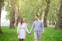 A couple walking in the Hyde Park, London Royalty Free Stock Photography