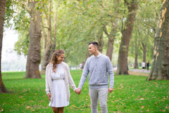 A couple walking in the Hyde Park, London Royalty Free Stock Photos