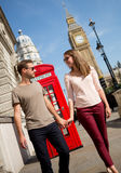 Couple walking in London Royalty Free Stock Photos
