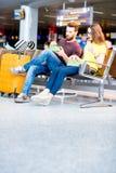 Couples à l'aéroport Image stock