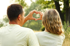 Couples à l'amour et au coeur Image libre de droits