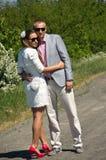 Couples à la mode dans le pays photos libres de droits