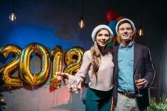 Couples à la partie de nouvelle année Image stock