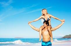 Couples à la plage Photo stock