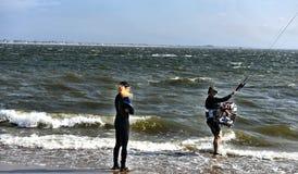 Couples à plomb de jeunes de parc de fuite de New York City de plage Photos libres de droits