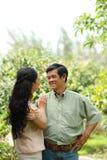 Couples âgés aimants Photo stock