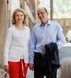 Couples âgés au voyage de vacances Photos libres de droits