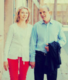 Couples âgés au voyage de vacances Photo libre de droits