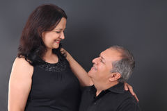 Couples âgés par milieu image stock