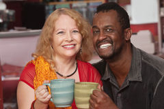 Couples âgés par milieu de Smilng photographie stock libre de droits
