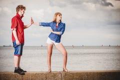 Couples étés en conflit Problème de relations Photos stock