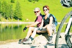 Couples aînés actifs Photos libres de droits