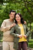 Couples aînés affectueux Photo libre de droits