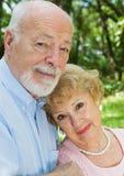 Couples aînés dévoués photo libre de droits