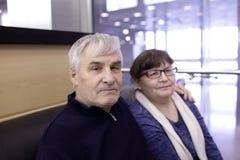 Couples aînés dans le restaurant Photos libres de droits