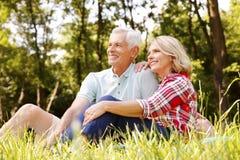 Couples aînés de détente Photos libres de droits