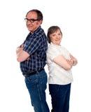 Couples aînés de sourire dernier cri d'amour Images libres de droits