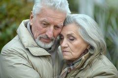 Couples aînés pensifs Images libres de droits
