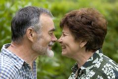 Couples aînés romantiques 2 Photo libre de droits