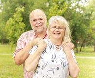 Couples aînés romantiques Photographie stock