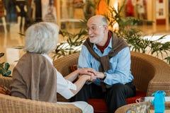 Couples aînés romantiques Image libre de droits