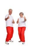 Couples aînés s'exerçant en gymnastique Images stock