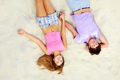 Couples adolescents de sommeil Images stock