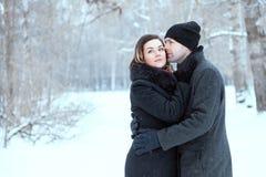 Couples adultes se reposant en parc Photographie stock