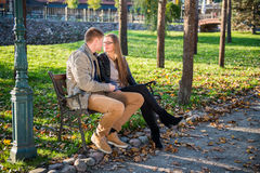 Couples affectueux photos libres de droits