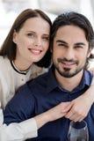 Couples affectueux heureux appréciant le temps ensemble Photographie stock