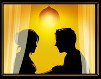 Couples affectueux par l'hublot Photographie stock