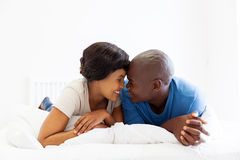 Couples africains intimes Image stock