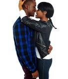 Couples africains romantiques effectuant l'amour Image libre de droits