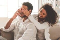 Couples afro-américains heureux Images libres de droits