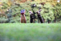 Couples amicaux de chaussures Image stock