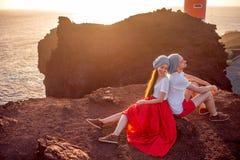 Couples appréciant des vacances d'été Photo libre de droits