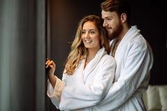 Couples appréciant la lune de miel photo libre de droits