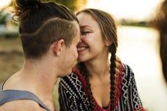 Couples appréciant Live Music Concert Festival Photos stock