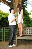 couples asiatiques chacun semblant autre impair Photos libres de droits