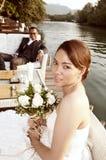 Couples asiatiques de mariage dans l'emplacement tropical Photos libres de droits