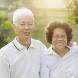 Couples asiatiques heureux d'aînés Photo libre de droits