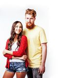 Couples assez adolescents de jeunes, type de hippie avec son hasard d'amie Photo stock