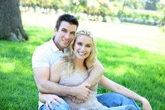 Couples attrayants dans l'amour Photos stock
