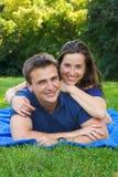 Couples attrayants de sourire photo libre de droits