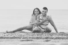 Couples au bord de la mer Images libres de droits