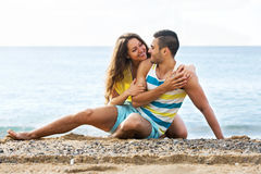 Couples au bord de la mer Photographie stock