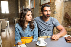 Couples au café Photos libres de droits