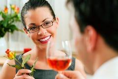 Couples au déjeuner ou au dîner Photos libres de droits