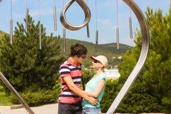 Couples au symbole de l'amour et du bonheur Images libres de droits